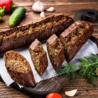 Мини-багет Ржаной с чесноком замороженное хлебобулочное изделие
